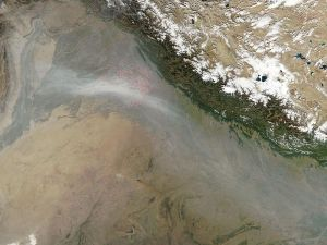 Aerial_view_of_Air_Pollution_in_North_India,_Agriculture_Fires,_October_2009